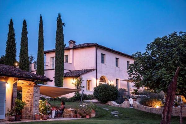 Bike Resort Villa Rey Urlaub zwischen Olivenhainene und Weingergen am Lago Trasimeno in der Nähe der Toskana.
