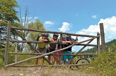 termine bikers fence